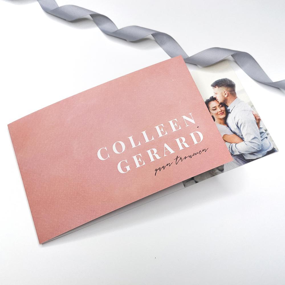 Minimalistische DIY trouwkaart met roze waterverf trouwkaart Aquarel en Watercolor Origineel Foto Gevouwen