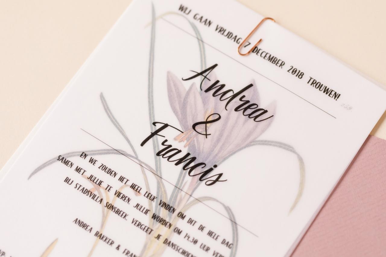 afbeelding achter kalkpapier trouwkaart