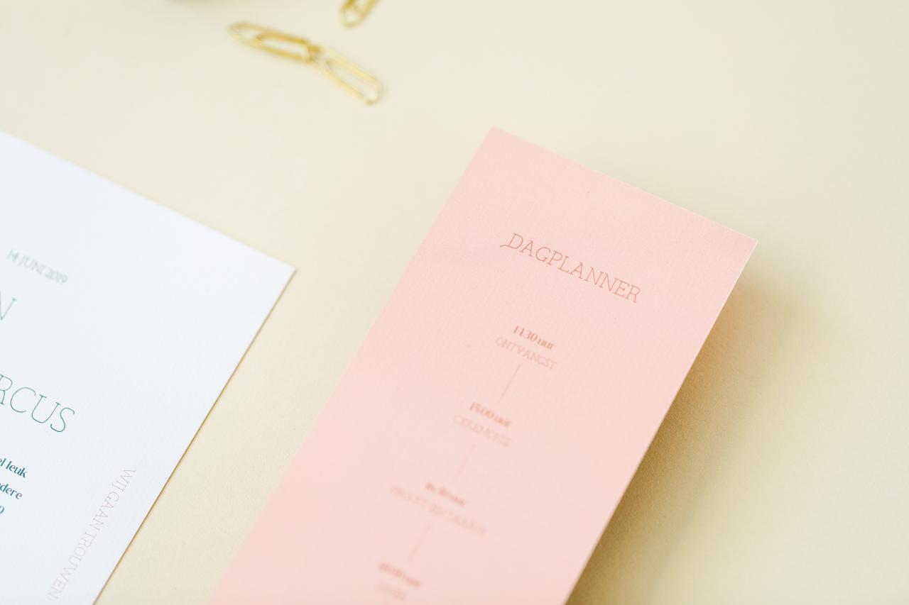Trouwkaart setje met bijpassende wikkel trouwkaart Modern Origineel Typografisch Strak