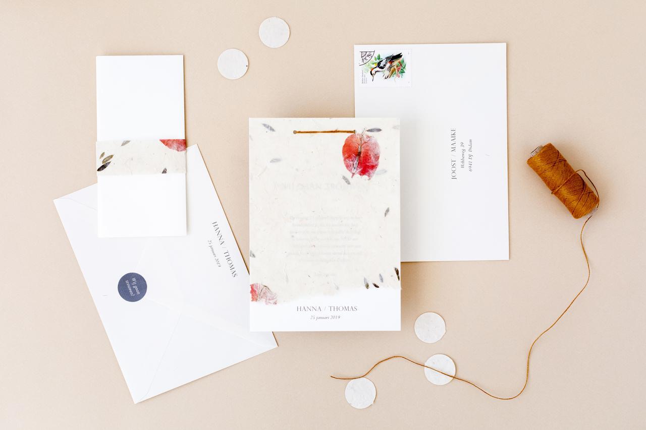 Trouwkaart met bloemenpapier trouwkaart Handgemaakt Romantisch Origineel Botanisch