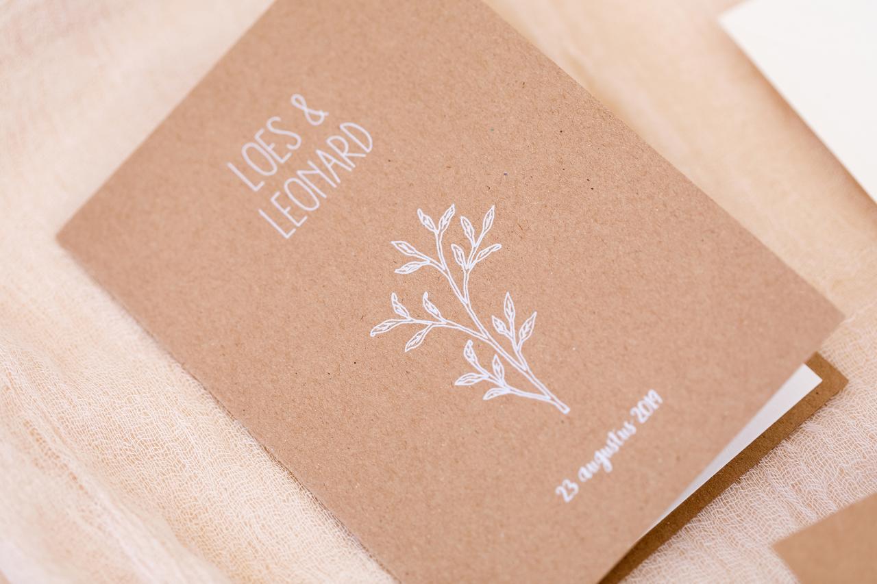 Kraft met een wit takje trouwkaart Kraft Illustratie