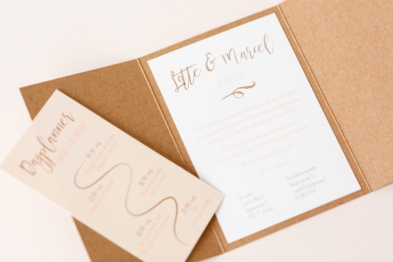 Kraft drieluik trouwkaart met peach trouwkaart Foto Kraft Romantisch Origineel
