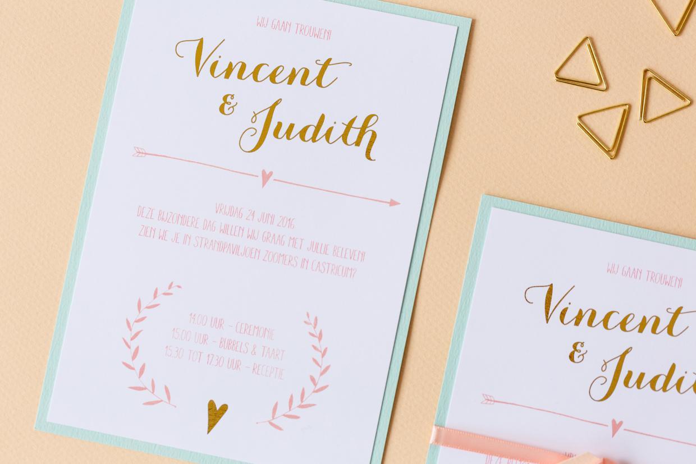 Pastel trouwkaart met takjes en hartjes en goudfolie trouwkaart Handgemaakt Romantisch Origineel Brons, zilver en goud