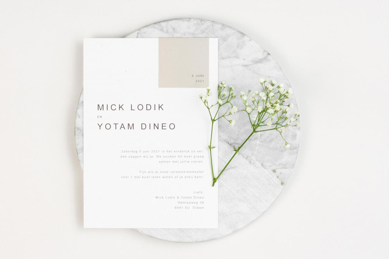 Moderne witte trouwkaart trouwkaart Modern Stoer Strak Typografisch