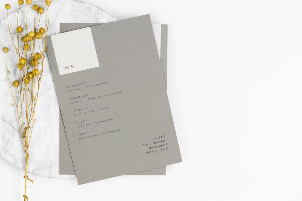 Moderne trouwkaart in grijstinten trouwkaart Modern Stoer Strak Origineel
