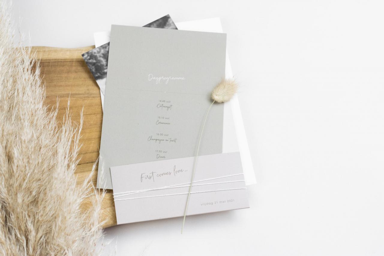 Pocketfold trouwkaart met jullie foto trouwkaart Origineel Foto Modern Typografisch