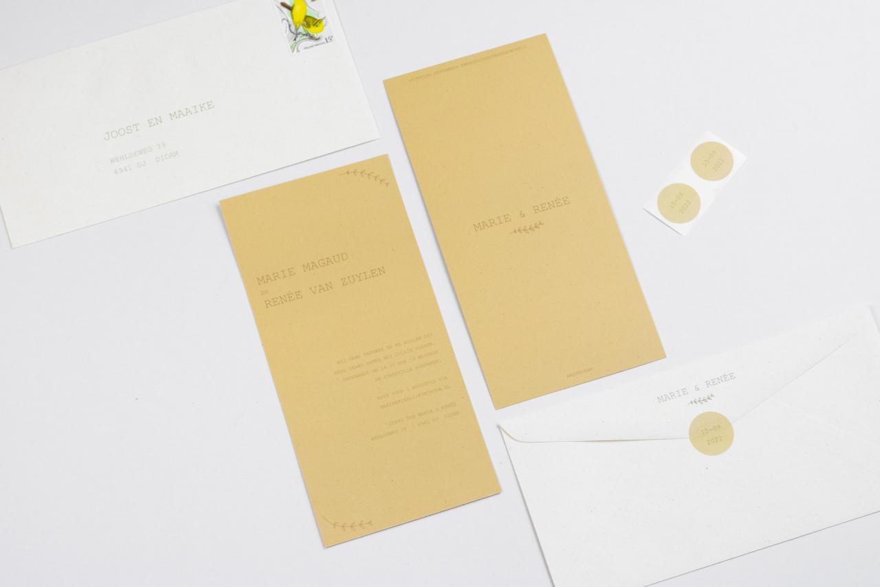 Enkele kaart in zachtgeel met illustraties trouwkaart Illustratie Handgemaakt Origineel Botanisch