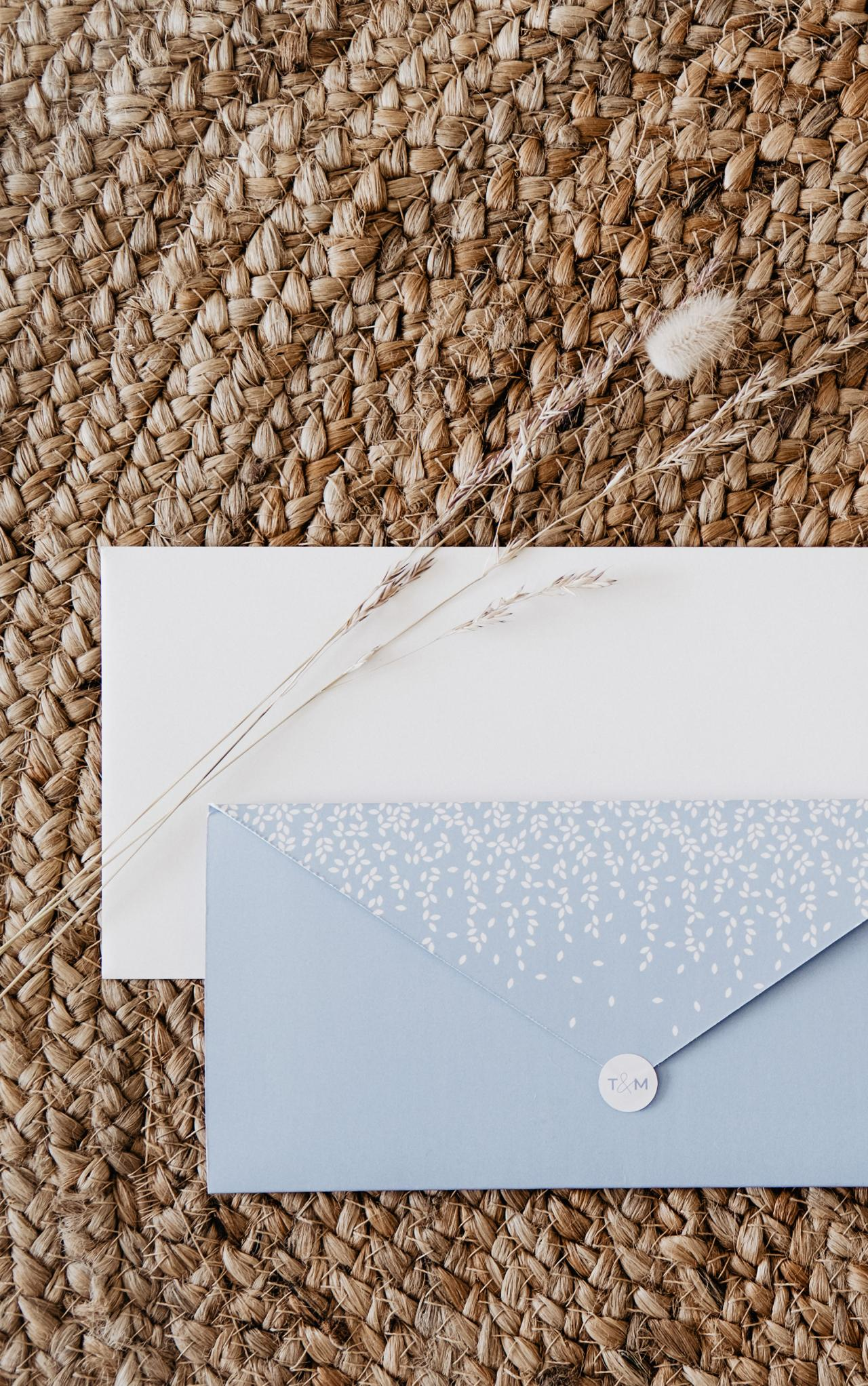 Minimalistische pocketfold met inlegkaartjes trouwkaart Modern