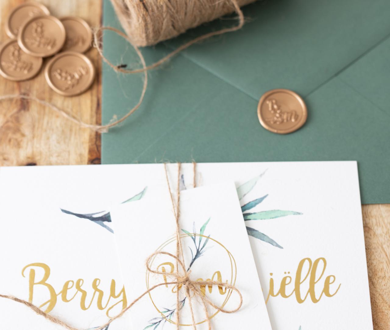 Botanische trouwkaart met goudfolie en lakzegel trouwkaart Botanisch Brons zilver en goud Stijlvol Luxe