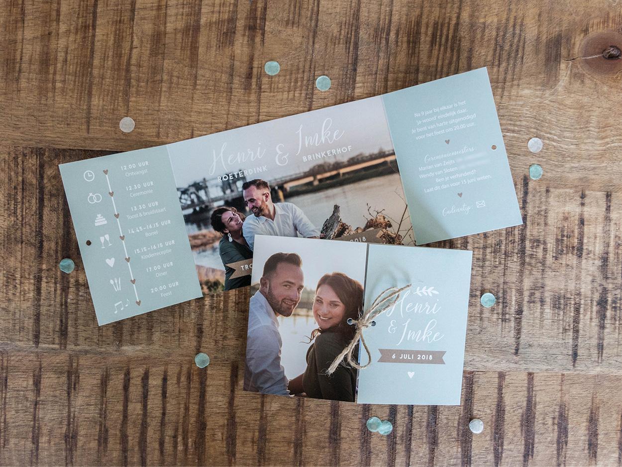 Luikvouw met foto's trouwkaart Foto
