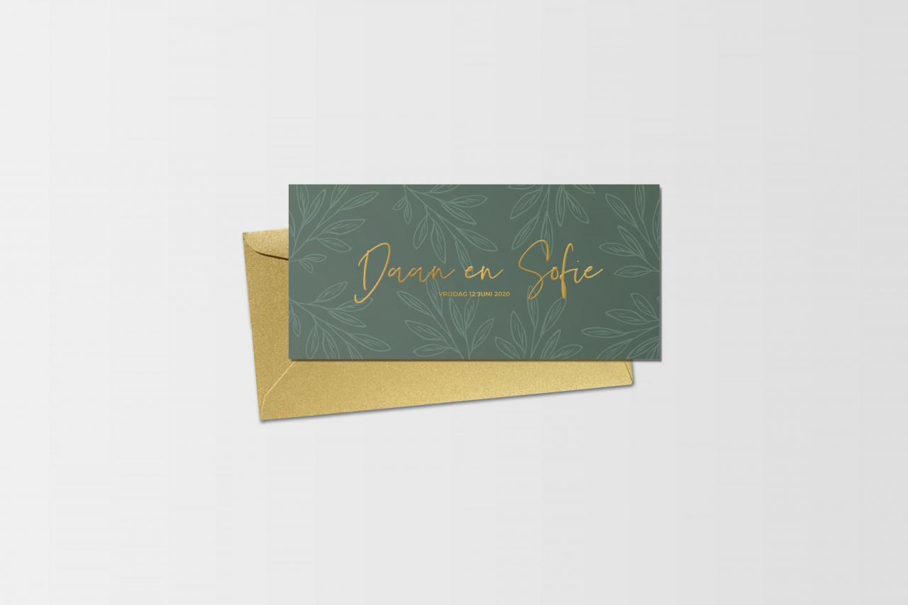 Botanische trouwkaart met subtiele blaadjes & goudfolie trouwkaart Botanisch
