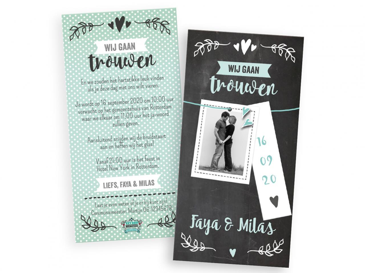 Trouwkaart met labeltjes trouwkaart Foto