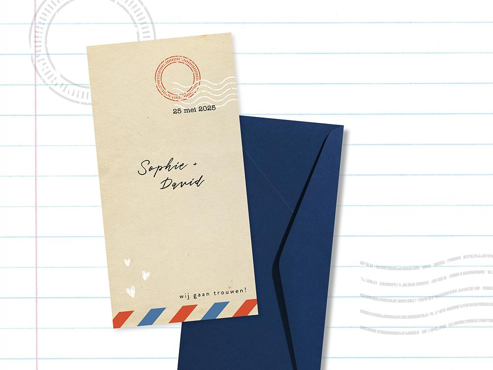 Trouwkaart met poststempels op papiertextuur trouwkaart Retro Kraft Origineel Stoer