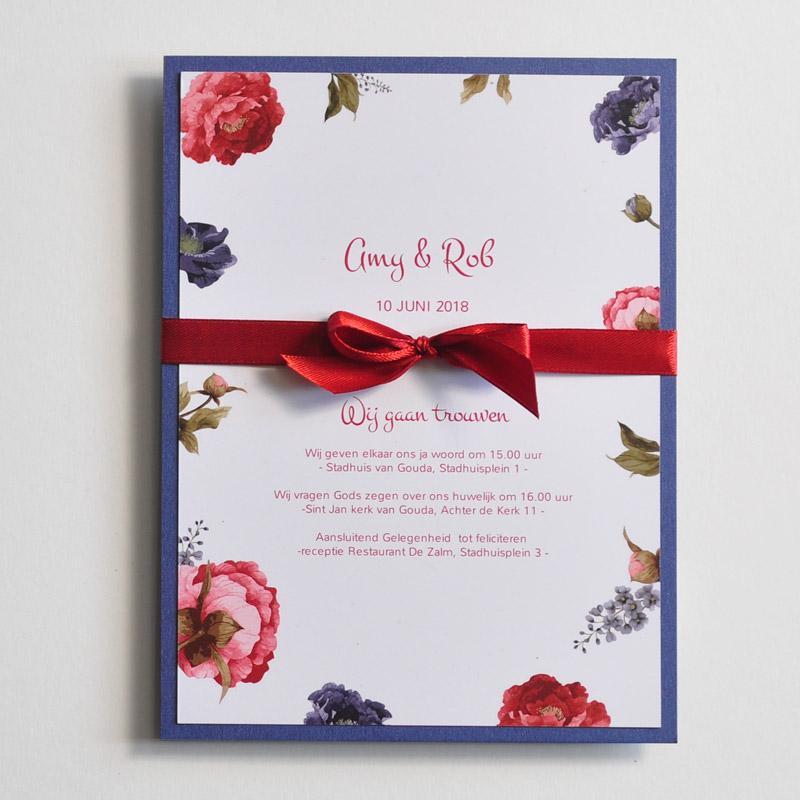 Gestylde trouwkaart Pioenrozen trouwkaart Romantisch Origineel