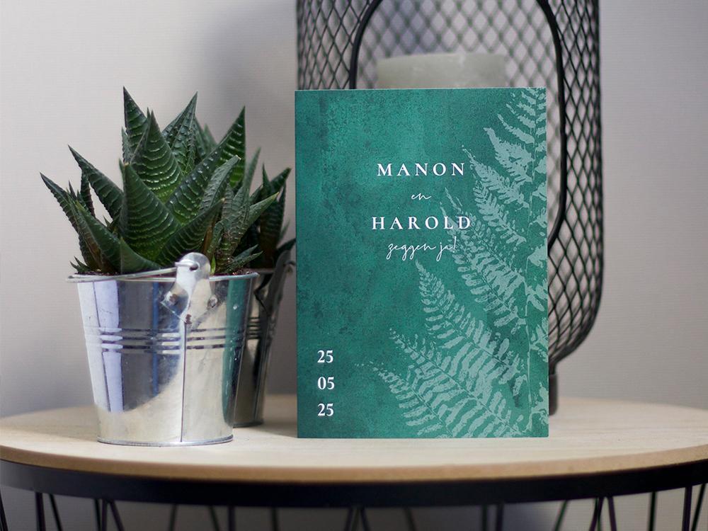 Botanische trouwkaart varen met donkergroene achtergrond trouwkaart Klassiek Aquarel en Watercolor Botanisch Stijlvol