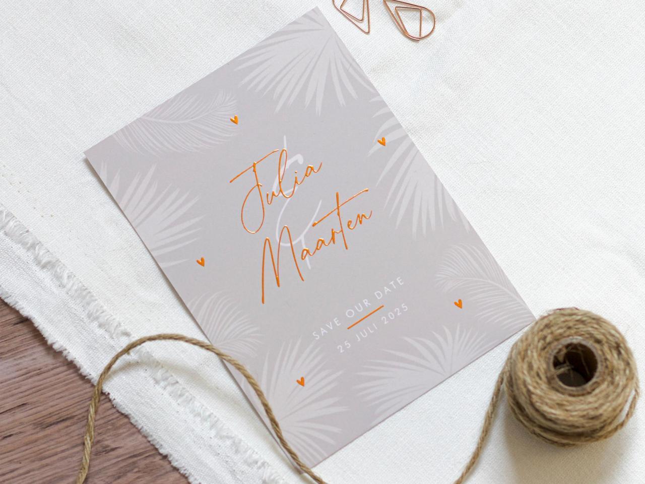 Koperfolie trouwkaart met tropische bladeren trouwkaart Stijlvol Brons zilver en goud Modern Romantisch