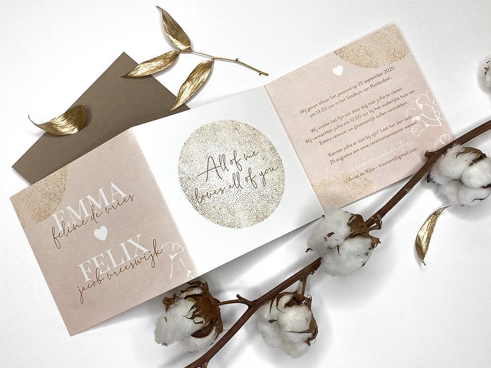 Drieluik trouwkaart met roze waterverf en gingko blad trouwkaart Stijlvol Romantisch Aquarel en Watercolor Luxe