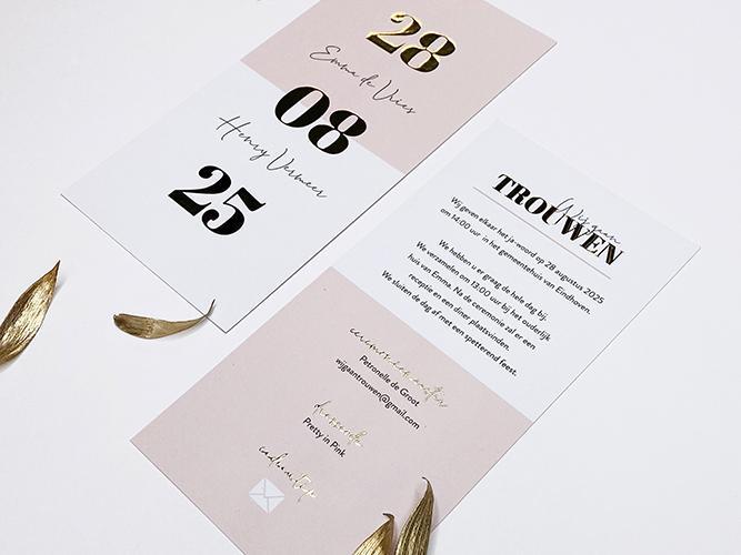 Roze trouwkaart met grote datum in goudfolie trouwkaart Origineel Brons zilver en goud Luxe Typografisch