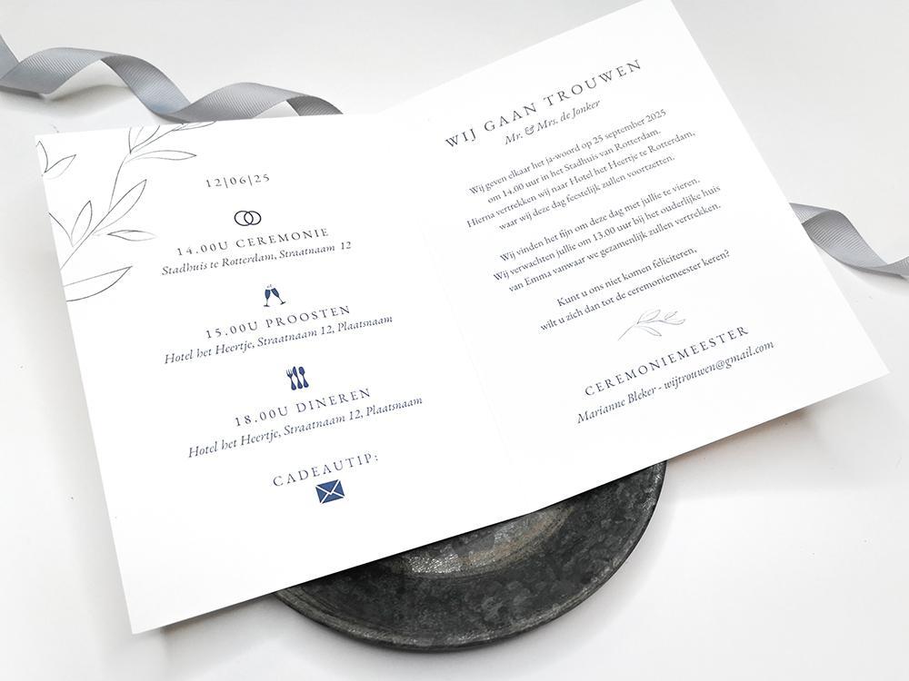 Trouwkaart met blauwe bladeren trouwkaart Klassiek Typografisch Strak Botanisch
