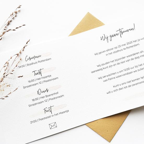 Trouwkaart met blush en gouden spetters trouwkaart Strak Klassiek
