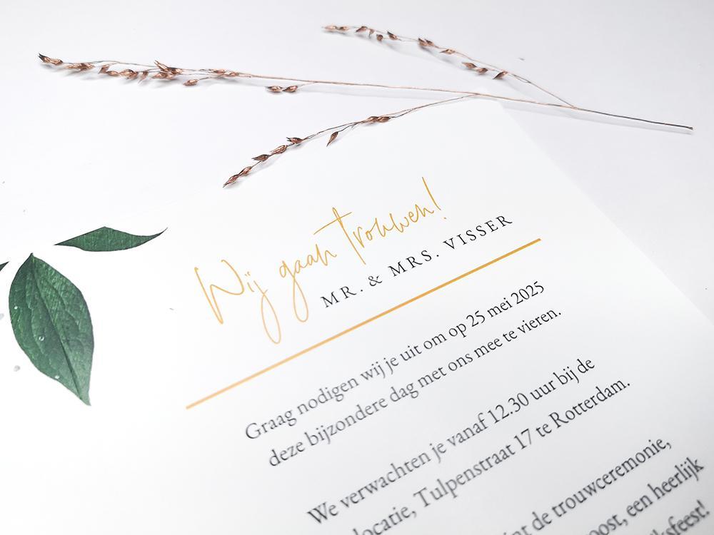 Botanische trouwkaart met gele bloemen trouwkaart Botanisch Romantisch Origineel Klassiek