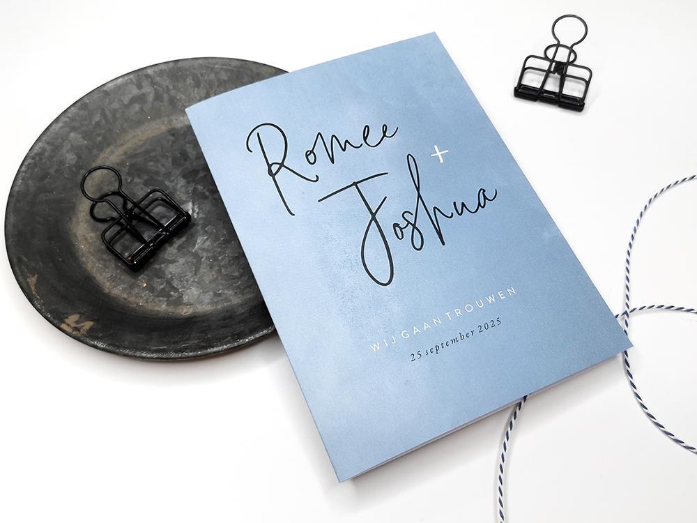 Grijsblauwe waterverf trouwkaart trouwkaart Aquarel en Watercolor Typografisch Klassiek Modern