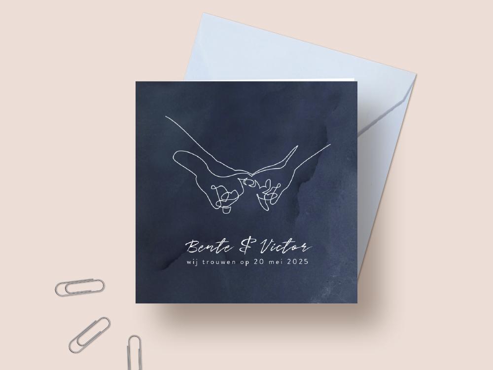Donkerblauwe trouwkaart met lijntekening van handen trouwkaart Origineel Stijlvol Aquarel en Watercolor Romantisch