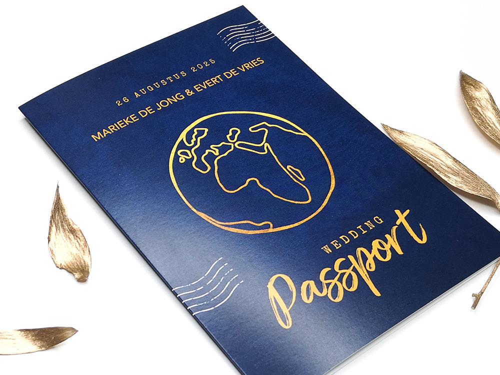Blauwe trouwkaart wedding paspoort trouwkaart Modern Origineel Romantisch Illustratie