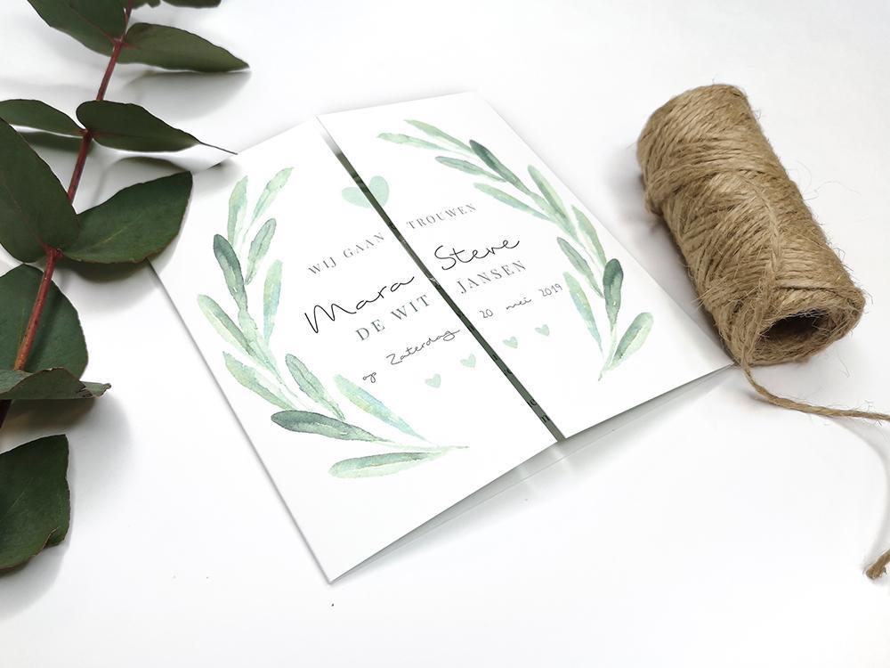 Klassieke tweeluik trouwkaart met bladeren en hartjes trouwkaart Aquarel en Watercolor Botanisch Klassiek Origineel